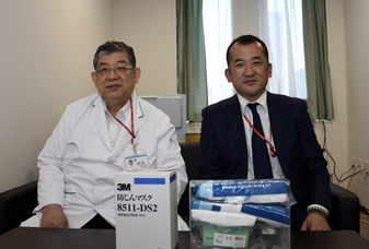 AASC donated 600,000 pieces of medical protective coverall and masks to medical institutions.